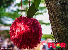 Piñata en forma de manzana