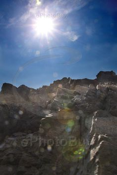 Sun rays above the rocks near hogenakkal falls