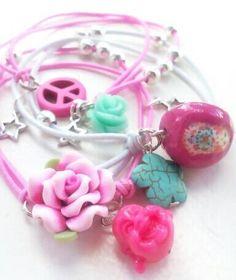Color popping stretch bracelets - happy arm Candy by BengeltjesBeads