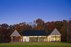 courtyard bldgs; iconic shapes; Becherer House / Robert M. Gurney Architect