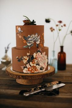 Flower Iced Chocolate Wedding Cake 20 Decadent and Delicious Chocolate Wedding Cakes – Plus 10 Things You Never Knew About Chocolate!