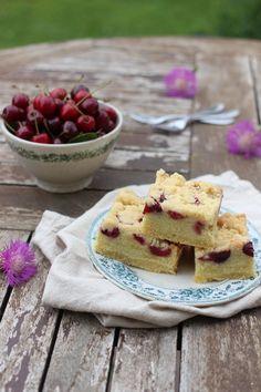 Tinkas Welt: Ein laktosefreier Kirsch-Rührkuchen / Es ist Kirschenzeit!