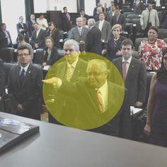 Manuel Chávez ] ACAPULCO, Gro. * Viernes 27 de octubre de 2017. Regiones Guerrero Molesto y preocupado por una foto aparentemente comprometedora, el retrógrado, autoritario y caciquil dirigente estatal de la CTM y diputado local 'levantadedos' del PRI, Antelmo Alvarado García, le ma...