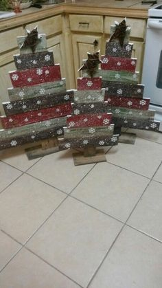 My husband will love this holz diy… - Crafting In Line teds-woodworking…. My husband will love this holz diy… – Crafting In Line Pallet Christmas Tree, Christmas Wood Crafts, Christmas Signs, Christmas Projects, Winter Christmas, Holiday Crafts, Rustic Christmas, Christmas Holidays, Christmas Ornaments