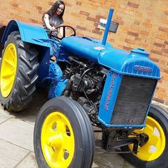 How will you reach your destination?  #socialmediamarketing #socialmedia #picoftheday #tractor #weekend #transport #luton #smile #digitalmarketing #awesome #love #instadaily #positivevibes #motivation #success #photooftheday #selfpromo #goals #branding #brandawareness #brand #fun #shoutout #happy #me #entrepreneur #cute #swag #business #businesswomen