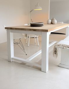 could make two of these at long and so the legs fold into the top for travelling/easy set up. Could also make a small 'bench' for the front. Oak Dining Table, A Table, Dining Room, Living Room White, Home And Living, Small Bench, Sunrooms, Workspaces, Scandinavian Interior