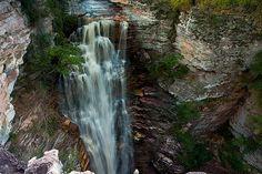 Cachoeira Buracão (Ibicoara - BA) A cachoeira do Buracão está localizada no município de Ibicoara, na Chapada Diamantina. Para chegar a queda é preciso caminhar por passagens estreitas e nadar para chegar pertinho da cascata.