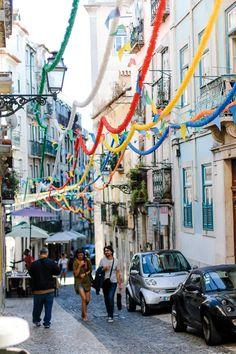 Tipps für Lissabon Travel Through Europe, Reisen In Europa, Time Travel, Travel Stuff, Places Ive Been, Road Trip, To Go, Street View, Explore