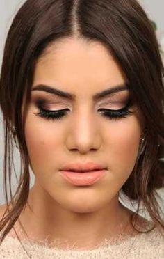 maquiagem madrinha com vestido coral - Pesquisa Google