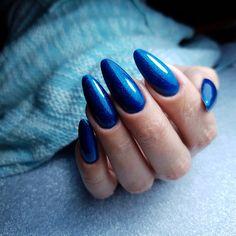Markiza De Pompadour Gel Polish | Nails by Anna Gąsienica Fronek | #indigo #indigonails #nails #nailsinspiration #nailsoftheday #winter #wintermanicure #carnival #christmas #christmasmanicure #christmasnails #paznokcie #markiza #markizadepompadour #gelpolish #nailart #glitter #glitternails #glam #blue #bluenails
