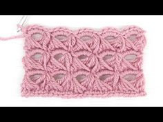Want to learn how to crochet the broomstick lace stitch baby blanket? This step-by-step, quick and easy tutorial is exactly what you need to crochet this pattern!