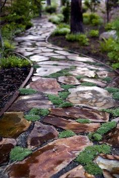 Garden Stone Pathway Ideas-41-1 Kindesign