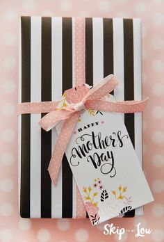 Free Printable Mothers Day Tags are the perfect finishing touch for your Mother's Day Gifts. Pretty tags with sweet sayings make your gift extra special!