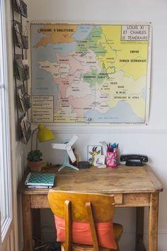 Une table chinée en guise de bureau