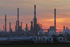 #موسوعة_اليمن_الإخبارية l النفط يصعد بعد تراجعه بسبب زيادة المخزونات الأمريكية