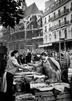 Les Halles, Paris 1948, by Grace Robertson.
