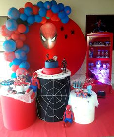 3rd Birthday Parties, Birthday Party Decorations, Boy Birthday, Spiderman Theme, Superhero Theme Party, Diy Party, Holidays And Events, Bernardo, Confetti