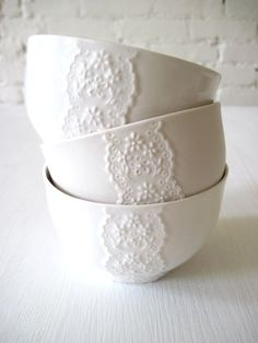 Lace detail ceramic bowls #kitchen #tableware