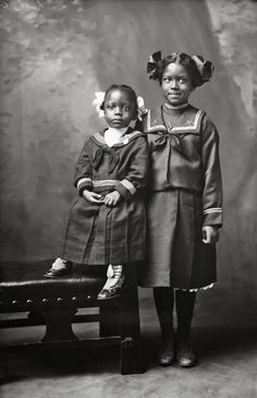 SISTERS | 1920′s Black History Album: The Way We Were. 100 Years of African American Vintage Photography from the end of slavery in the 1860′s to the Black Power Movement of the 1960s and beyond. Pinterest | Tumblr | Twitter | Facebook.