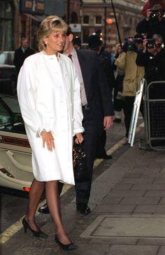 2,394 Princess Diana White Photos and Premium High Res Pictures Princess Diana Photos, Princess Diana Fashion, Princess Of Wales, Princesa Diana, Atelier Versace, Gianni Versace, Long White Coat, Versace Coat, Diane