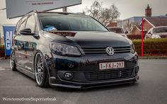 Volkswagen Touran | Flickr - Photo Sharing! Caddy Van, Vw Sharan, Volkswagen Touran, Vw Tiguan, Rims For Cars, Audi Rs6, Custom Vans, Cars And Motorcycles, Vehicles