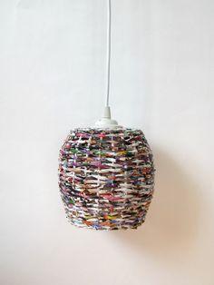 Recyklingowa lampa z gazet - zapleciona - Lampy wiszące