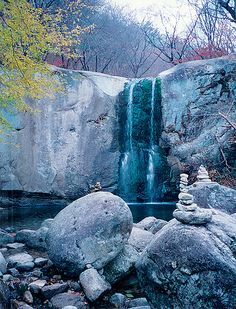 A waterfall near Lake Soyang in Gangwon, Korea by Radianman 크래그, via Flickr