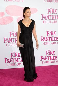 "Aishwarya Rai Photos - Premiere Of ""The Pink Panther 2"" - Arrivals - Zimbio"