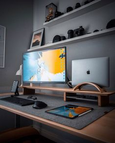 Home Office Setup, Home Office Space, Office Workspace, Home Office Design, House Design, Computer Desk Setup, Gaming Room Setup, Dream Desk, Workspace Inspiration
