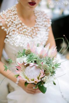 marvelous protea bouquet with scabiosa pods, succulents and poppy pods Style File: Exotic Adventure Elegant Wedding Cakes, Glamorous Wedding, Floral Wedding, Wedding Flowers, Dream Wedding, Bouquet Wedding, Wedding Decor, Wedding Stuff, Wedding Dresses
