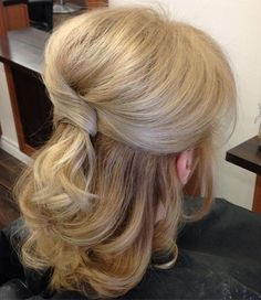 Half Up Half Down Wedding Hairstyles – 50 Stylish Ideas for Brides, Peinados, half up wedding hairstyle for medium hair. Mother Of The Groom Hairstyles, Wedding Hairstyles For Medium Hair, Hairstyles Haircuts, Formal Hairstyles, Bridal Hairstyle, Mother Of The Bride Hair Short, Pageant Hairstyles, Latest Hairstyles, Updo Hairstyle