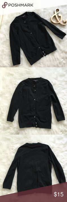 Banana Republic Cardigan Sweater Cute black button down cardigan with 3/4 sleeves. Super soft and stretchy cotton. A little wear from wash but no flaws. Great paired with your favorite cami or that dress you love. Banana Republic Sweaters