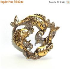Circle of Fish JJ pin brooch gold tone J. Nos by dollherup Dory And Marlin, Show Lights, Dapper Day, Antique Gold, Brooch Pin, Jewelry Box, Appreciation, Retro Vintage, Fish