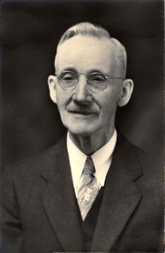an older Henry McCormack, is this my Grandpas dad?