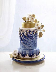 Tartas de boda - Wedding Cake - Cake Wrecks - Home - Sunday Sweets: Watercolor Cakes Unique Cakes, Elegant Cakes, Creative Cakes, Gorgeous Cakes, Pretty Cakes, Amazing Cakes, Cupcake Torte, Watercolor Cake, Gold Watercolor