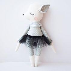 Hello out there! . . . . #olialemon #handmade #kids #kinderzimmer #sewing #nähen #Handarbeit #doll #ballerina #ballet #dawanda #stoffpuppe #itsagirl #munich