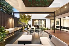 Contemporary Balaclava Road house by Cos Design