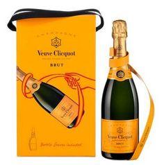 Florence Deygas for Veuve Clicquot Champagne, Alcoholic Drinks, Beverages, Veuve Clicquot, Royal Life, Beverage Packaging, Packaging Design, Wine, Bottle