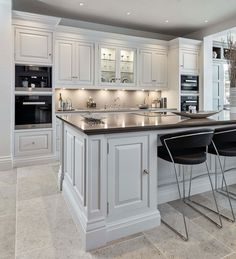 Luxurious white kitchen This luxurious white kitchen has exquisite … Luxurious White Kitchen This luxurious white kitchen features exquisite detailing and quality appliances including a Miele M-Touch Combination Steam Oven The Effective Pictures We Offer Home Kitchens, Contemporary Kitchen, Kitchen Remodel, Classic Kitchens, Home Decor Kitchen, Kitchen Room Design, Kitchen Interior, Kitchen Layout, Modern Kitchen Design