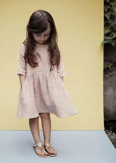 What a dreamy and beautiful label, Pierrot la Lune is. It takes me back to lazy European summers in the countryside. This Danish label was established only last year by designer Emilie Ventujol as the realization of a lifelong dream of creating timeless and sophisticated yet playful and informal children swear. The Pierrot la Lune look …