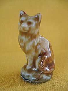 Wade Cat Figurine