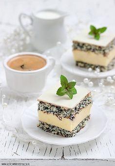 Poppy seed cake - Makowa Panienka (in polish) Polish Desserts, Polish Recipes, No Bake Desserts, Delicious Desserts, Yummy Food, Hungarian Recipes, Russian Recipes, Sweet Recipes, Cake Recipes