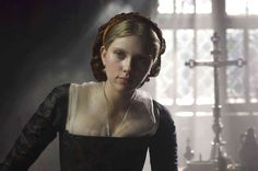"Scarlett Johansson as Mary Boleyn in ""The Other Boleyn Girl"", Mary Boleyn, Anne Boleyn, Scarlett Johansson Movies, Tudor Fashion, Medieval Fashion, Philippa Gregory, The Other Boleyn Girl, Roselyn Sanchez, Holly Willoughby"