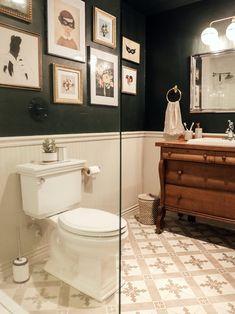 Chris Loves Julia - Dark Bathrooms - dark green and white bathroom Small Dark Bathroom, Dark Green Bathrooms, Simple Bathroom, Tiny Bathrooms, White Bathroom, Downstairs Bathroom, Bathroom Renos, Bathroom Ideas, Bathroom Renovations