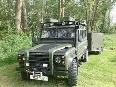 Land Rover Defender 110 Td5 Sw County wolf with trailer