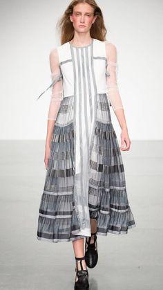 Bora Aksu Spring/Summer 2018 Ready-To-Wear Spring Summer 2018, Ready To Wear, Cold Shoulder Dress, How To Wear, Dresses, Fashion, Dress Long, Elegant Dresses, Vestidos