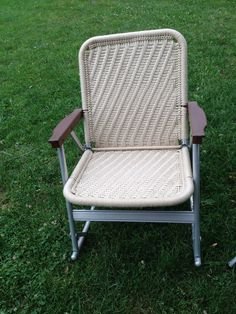 Vintage 2 Aluminum Folding Lawn Chairs Rocker A Free Standing Beige in Color | eBay