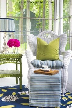 DIY Summer Porch Decor Ideas | Ideas for making your outdoor spaces function like indoor rooms. Examples, tips and inspiration!