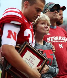http://www.omaha.com/huskers/football/chatelain-tribute-to-native-son-sam-foltz-provides-a-memory/article_dd9e1ca3-436f-5ad2-8e65-03b3e42bf0ab.html
