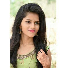 Sweet Girl Pic, Cute Girl Poses, Cute Girl Photo, Beautiful Girl Photo, Beautiful Girl Indian, Beautiful Girl Image, Dehati Girl Photo, Girl Photo Poses, Stylish Girl Images